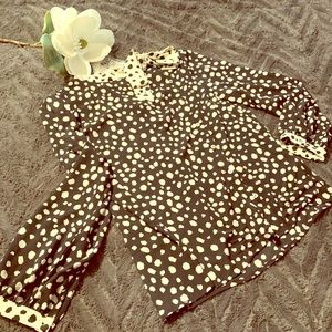 Seeing spots! Printed blouse, med, never worn!